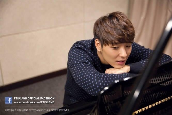 FTISLAND's Choi Jong Hoon Reveals His Hidden Piano Talent